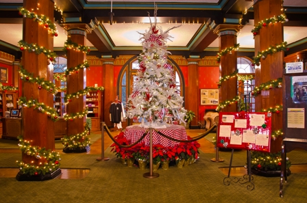 Things to Do in Eureka Springs for Christmas – 1886 Crescent Hotel