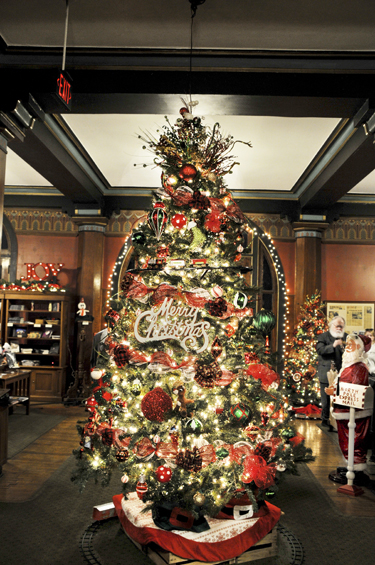 Restaurants Open On Christmas Eve 2019.Christmas At The Crescent 1886 Crescent Hotel Spa